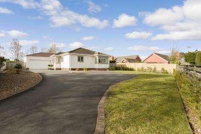 4 Bedrooms Bungalow for sale in Crossfell, Darras Hall, Ponteland, Northumberland, NE20