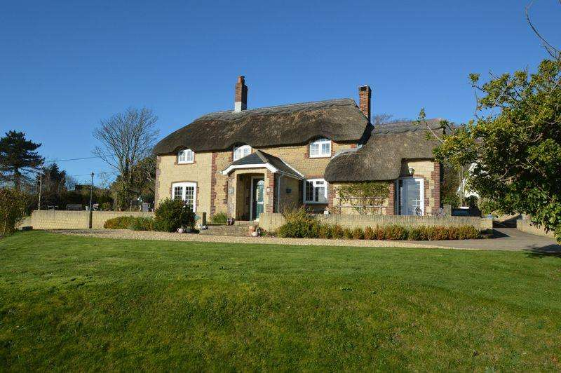 4 Bedrooms Detached House for sale in RURAL BRIGHSTONE