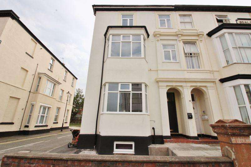 2 Bedrooms Apartment Flat for rent in Bold Street, Southport