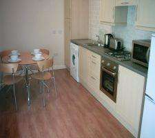 2 Bedrooms Flat for rent in Willowpark Court, Airdrie, North Lanarkshire
