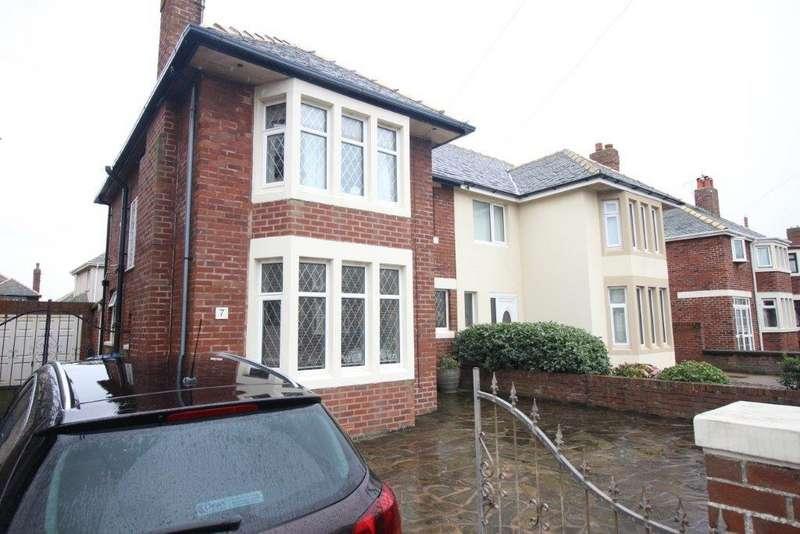3 Bedrooms Semi Detached House for sale in Bentinck Avenue, Blackpool