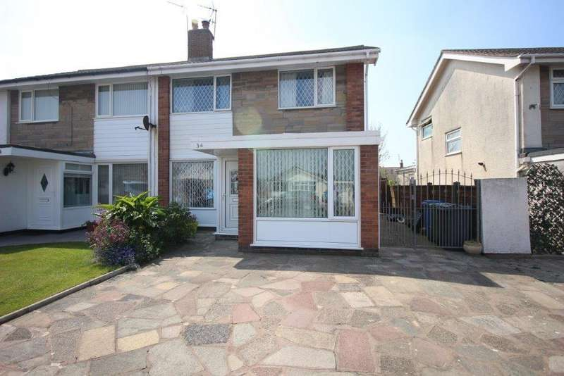 3 Bedrooms Semi Detached House for sale in Marine Parade, Fleetwood