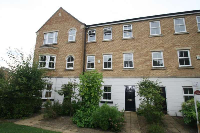 4 Bedrooms Town House for rent in MANSION GATE, CHAPEL ALLERTON, LS7 4SX