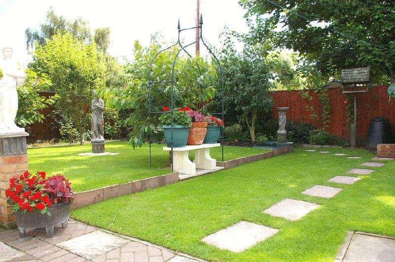 3 Bedrooms Detached House for sale in Parklands Avenue, Billingham