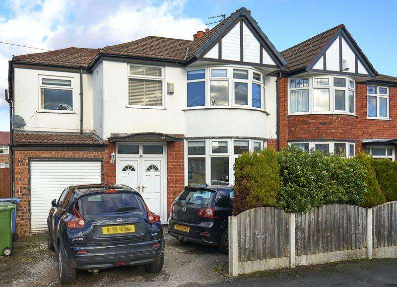4 Bedrooms Semi Detached House for sale in Woodheyes Drive, Sale