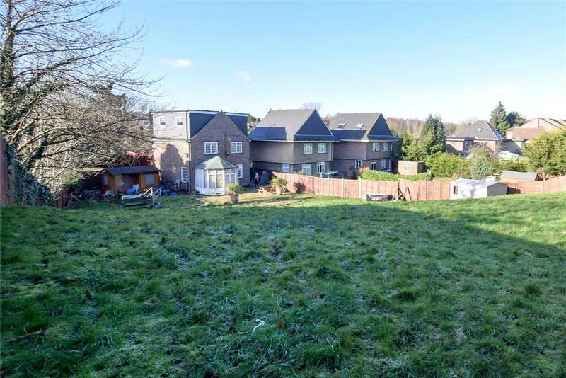 4 Bedrooms Detached House for sale in Bucknalls Close, Watford, Hertfordshire, WD25
