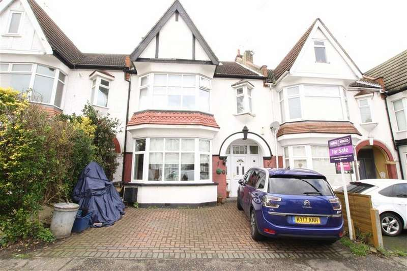 4 Bedrooms Terraced House for sale in Oakleigh Park Drive, Leigh-on-sea, Essex