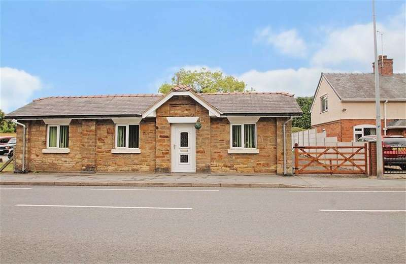 3 Bedrooms Detached Bungalow for sale in Holyhead Road, Chirk