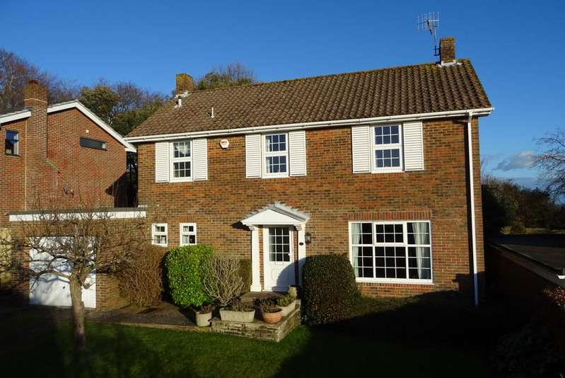 4 Bedrooms Detached House for sale in Longlands, Worthing, Charmandean, BN14 9NN