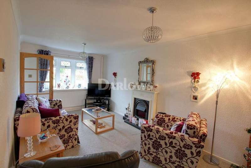 2 Bedrooms Bungalow for sale in Springfield Close, Croesyceiliog