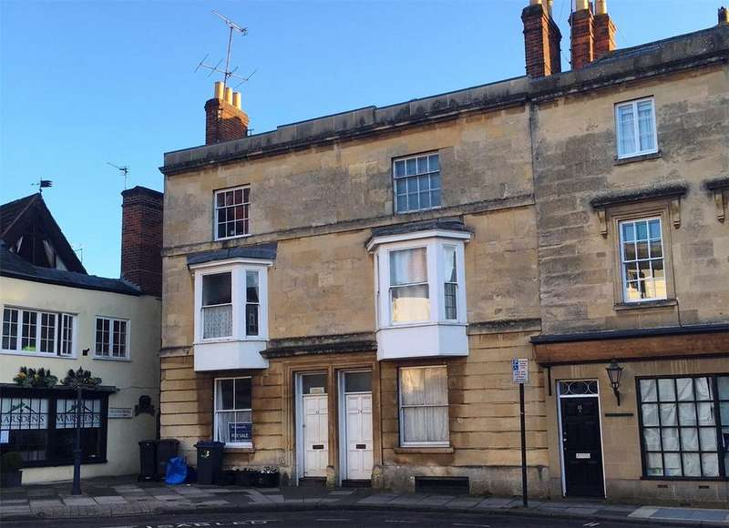 2 Bedrooms Flat for sale in St. Johns Street, Devizes, Wiltshire, SN10