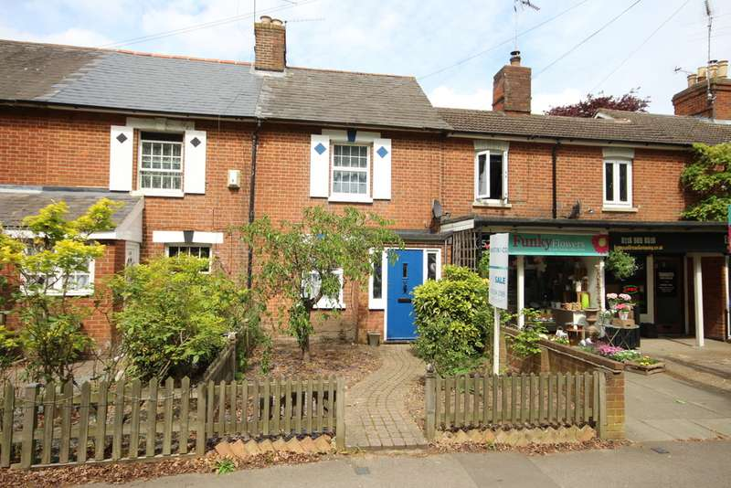 3 Bedrooms Terraced House for sale in London Road, Wokingham RG40