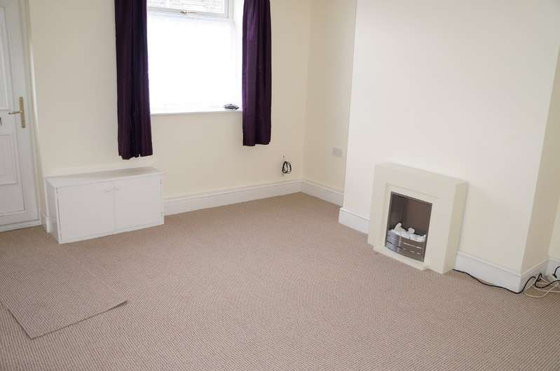 2 Bedrooms Terraced House for rent in Dunham Street, Lees OL4