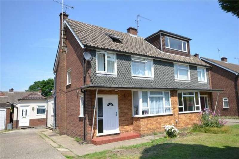 4 Bedrooms Semi Detached House for sale in Greenwood Road, Crowthorne RG45