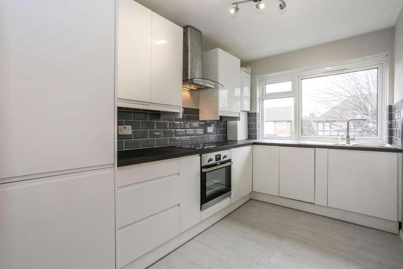 2 Bedrooms Flat for sale in Howard Road, Woodside Green, South Norwood SE25