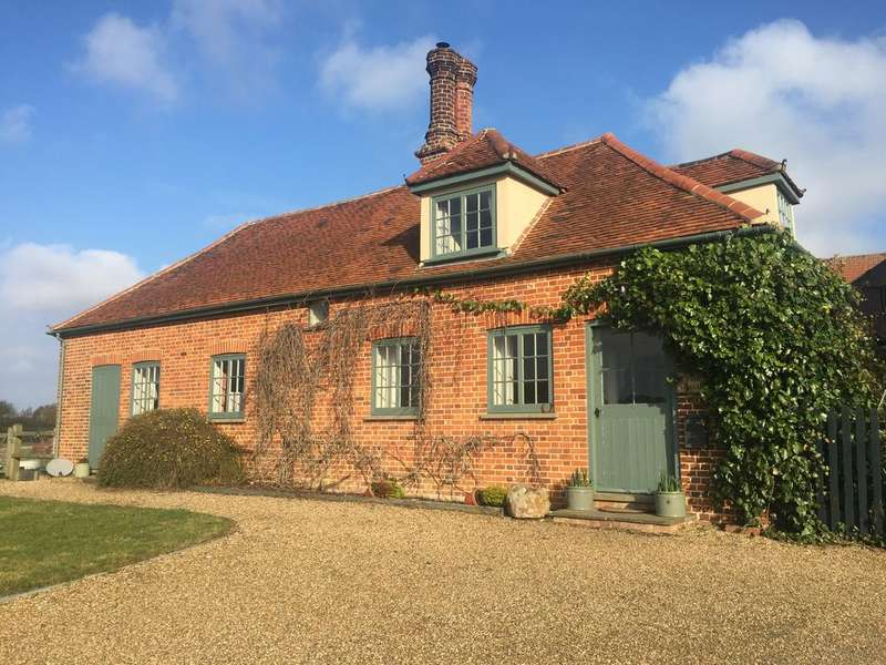 3 Bedrooms Cottage House for rent in Park Cottage, Lyons Hall Road, Braintree CM7