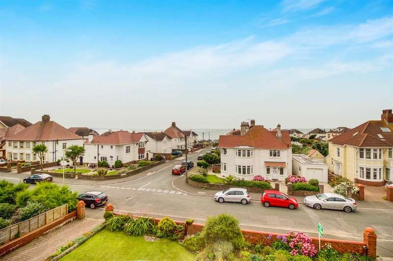 3 Bedrooms Apartment Flat for sale in Lougher Gardens, Porthcawl
