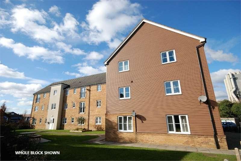 2 Bedrooms Flat for rent in Lawford Bridge Close, New Bilton, Rugby, Warwickshire