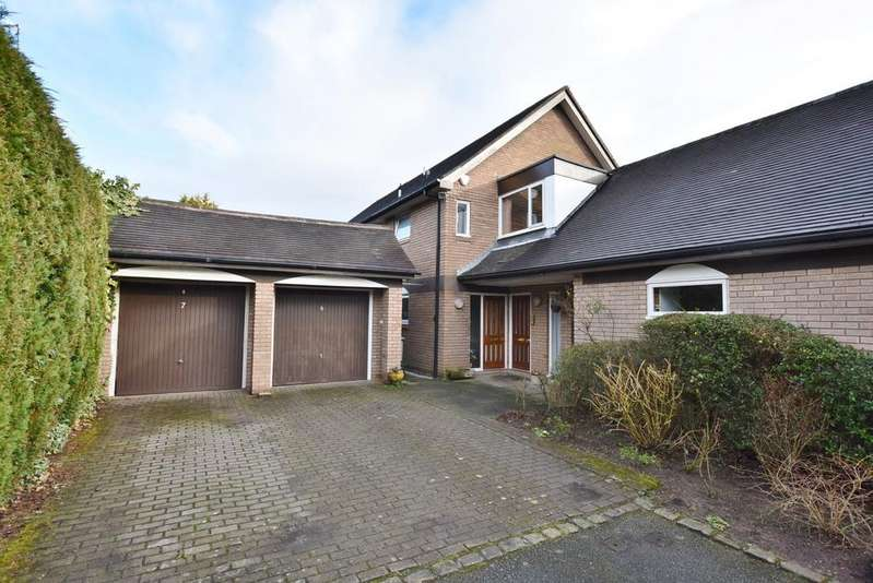 3 Bedrooms Apartment Flat for sale in Green Courts, Green Walk, Bowdon