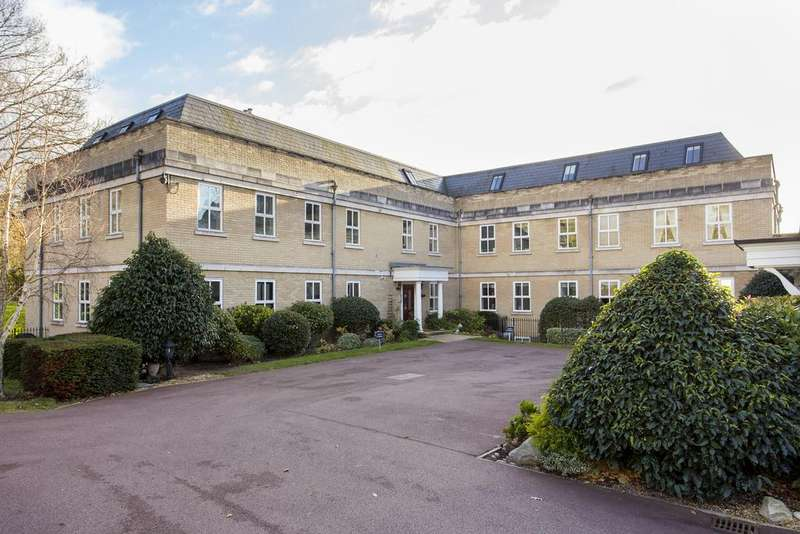 3 Bedrooms Apartment Flat for sale in Claybury Hall, Regents Drive, Woodford Green IG8