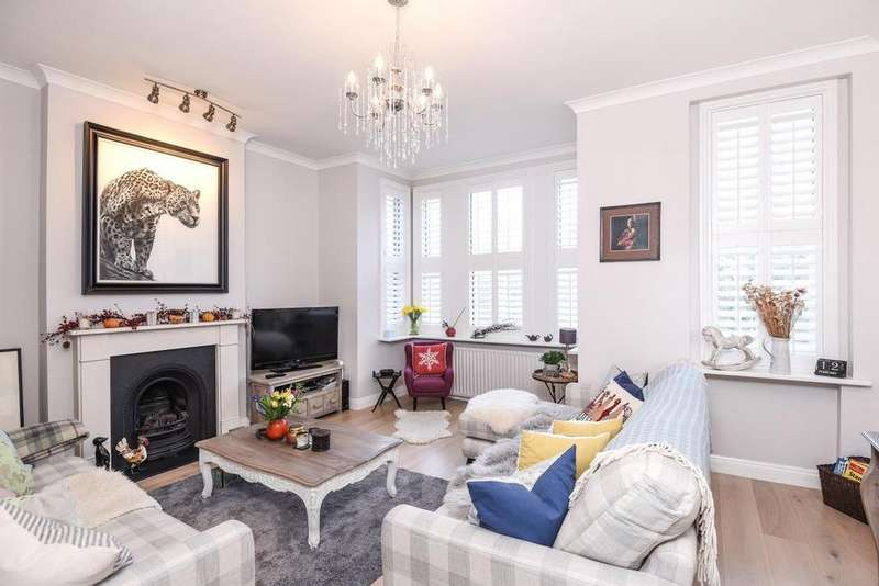 3 Bedrooms Flat for sale in Archway Road, Highgate