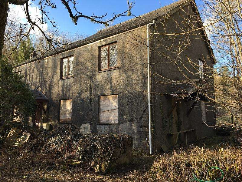 3 Bedrooms Detached House for sale in Ynys Tre Deg , Upper Cwmtwrch, Swansea.