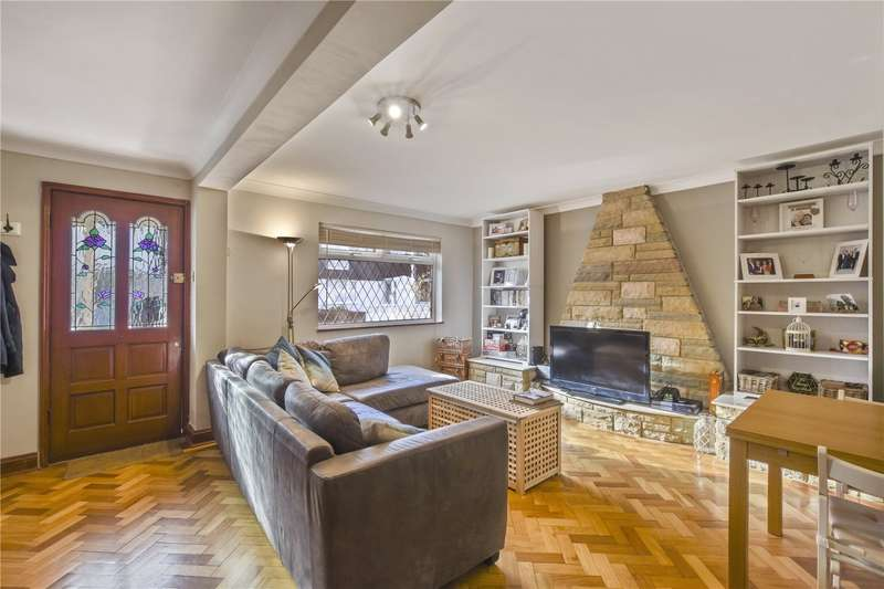 3 Bedrooms House for sale in Devenay Road, London, E15