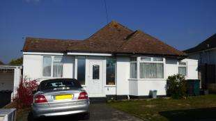 4 Bedrooms Bungalow for sale in Stanmer Avenue, Saltdean, East Sussex