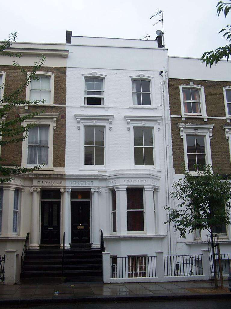 1 Bedroom Flat for sale in Chesterton Road, North Kensington, London W10
