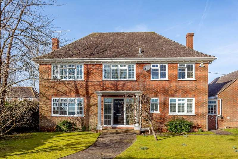 4 Bedrooms Detached House for sale in Dorking Road, Kingsfold, Horsham, West Sussex