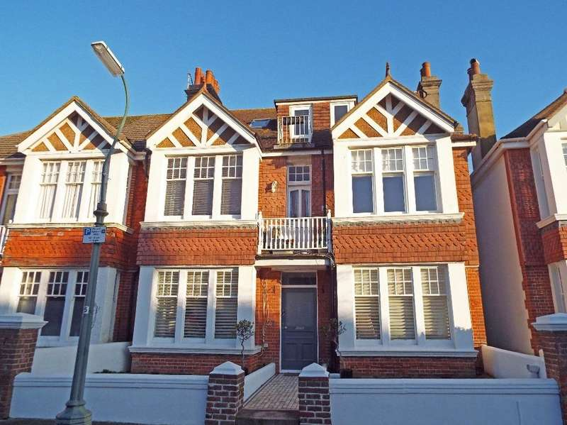 2 Bedrooms Flat for sale in Langdale Gardens Hove East Sussex BN3