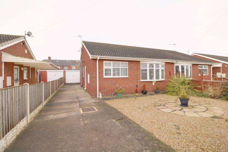 2 Bedrooms Bungalow for sale in The Meadows, Burringham
