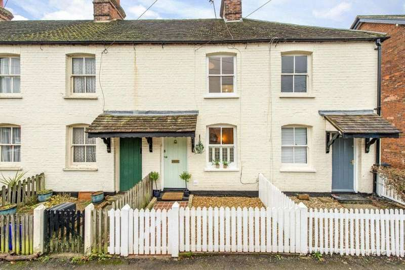 3 Bedrooms Terraced House for sale in Lakes Lane, Beaconsfield, HP9