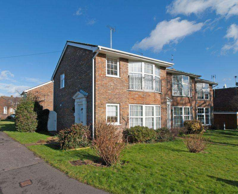 3 Bedrooms Terraced House for sale in Felpham Village, West Sussex