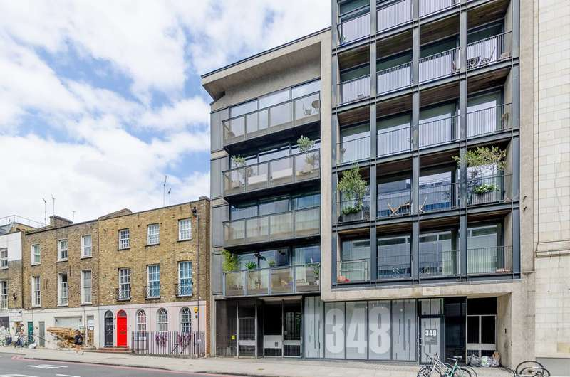 2 Bedrooms Flat for sale in Goswell Road, Islington, EC1V