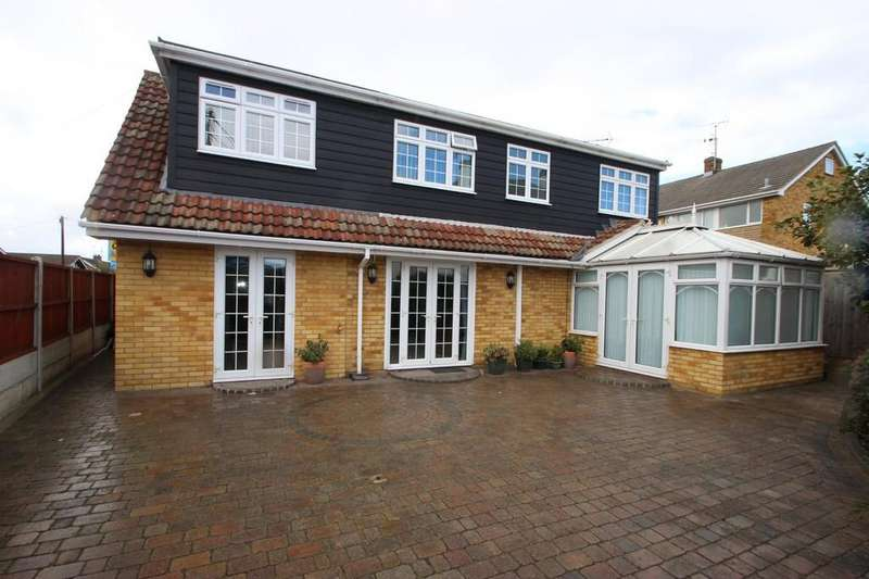 4 Bedrooms Detached House for sale in Thundersley, SS7