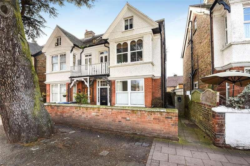 2 Bedrooms Apartment Flat for sale in St. Leonards Road, Windsor, Berkshire, SL4