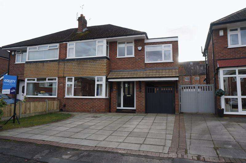4 Bedrooms Semi Detached House for sale in Tenby Drive, Cheadle Hulme
