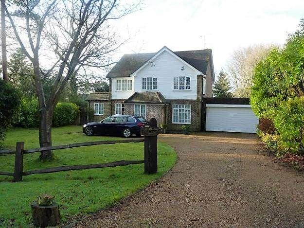 4 Bedrooms Detached House for sale in Sheepsetting Lane, Cross in Hand, Heathfield, East Sussex, TN21 0XG