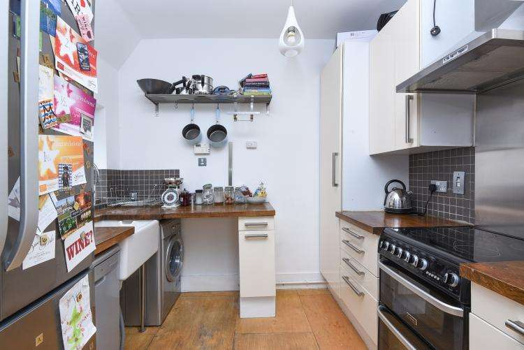 3 Bedrooms Apartment Flat for rent in Queens Avenue Muswell Hill N10
