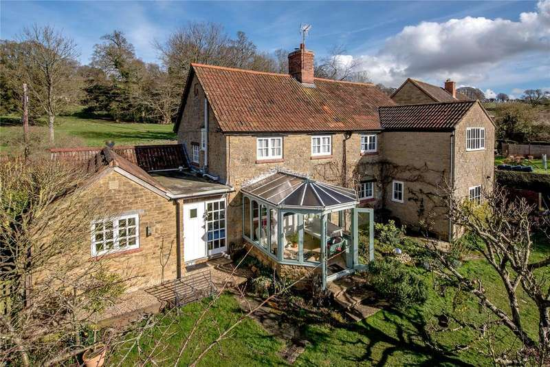 5 Bedrooms Detached House for sale in Owl Street Lane, Stocklinch, Ilminster, Somerset