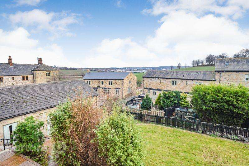 3 Bedrooms Barn Conversion Character Property for sale in Barbot Farm Mews, Carr Hill, Greasborough
