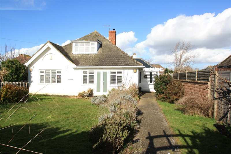 4 Bedrooms Detached Bungalow for sale in Telgarth Road, Ferring, West Sussex, BN12