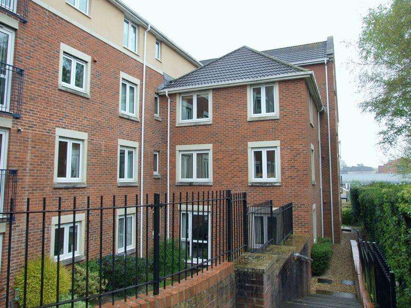 1 Bedroom Retirement Property for sale in Regal Court, Trowbridge