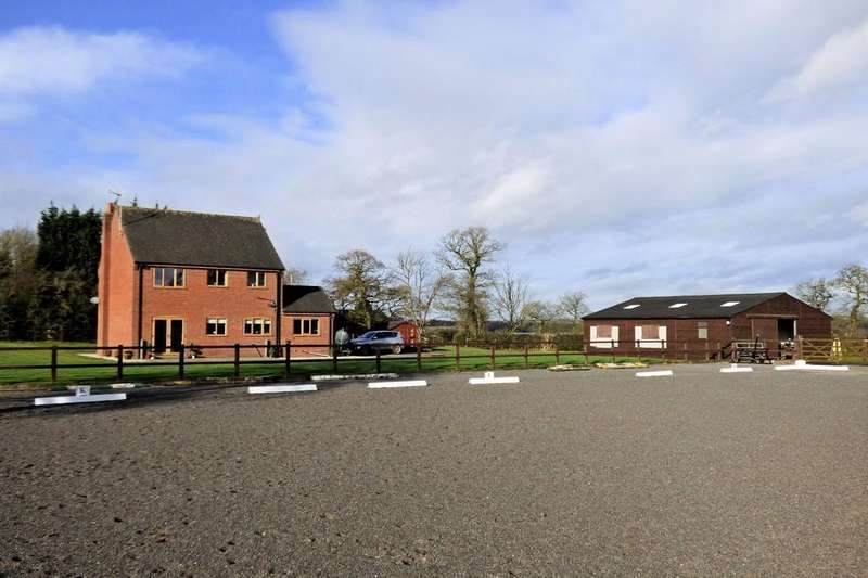 3 Bedrooms Detached House for sale in Saverley Green, Stoke-on-Trent