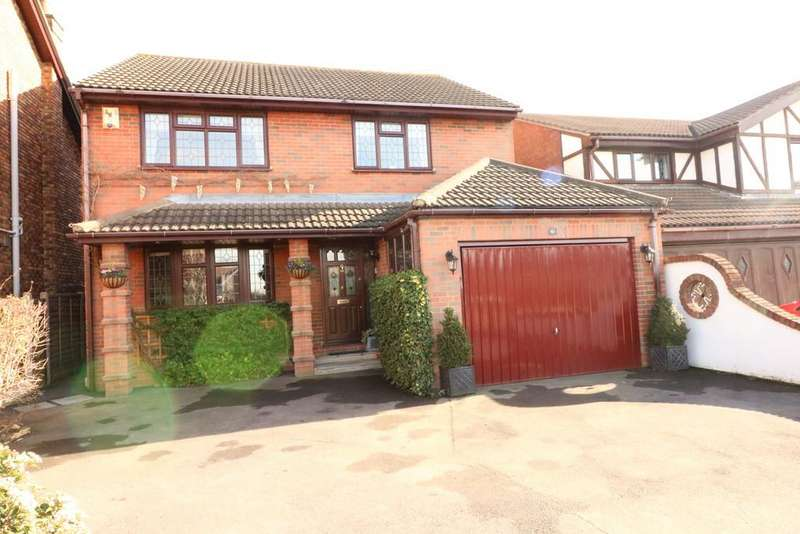 4 Bedrooms Detached House for sale in St. Clements Road, Benfleet