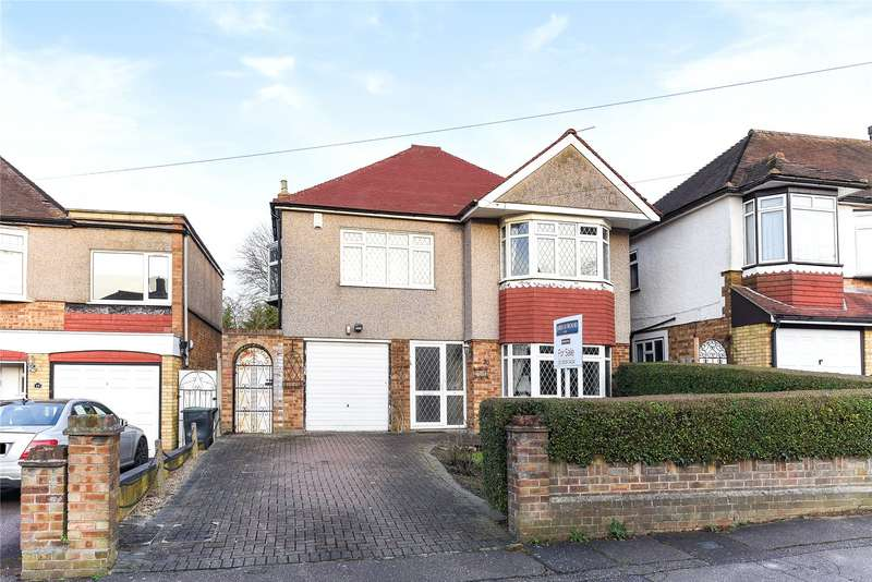 3 Bedrooms Detached House for sale in Whitehall Close, Chigwell, Essex, IG7