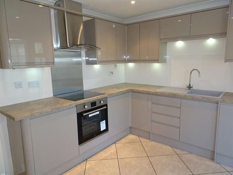 2 Bedrooms Town House for sale in 19 Fleming Way, Flanderwell, Rotherham, S66 2HB