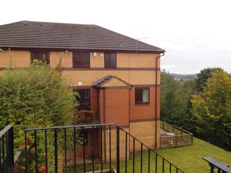 2 Bedrooms Maisonette Flat for rent in Surrey Drive, Kingswinford