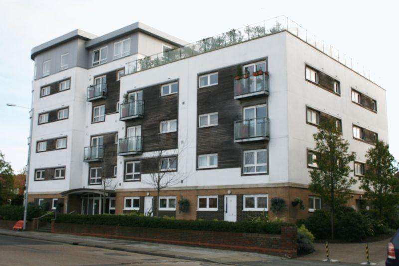 2 Bedrooms Apartment Flat for rent in Cherrydown East, Basildon